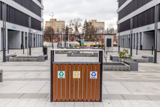 Papelera de reciclaje Río