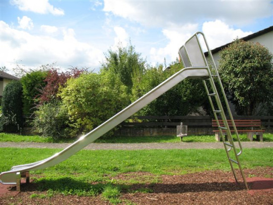 Slide with 1m height ladder.